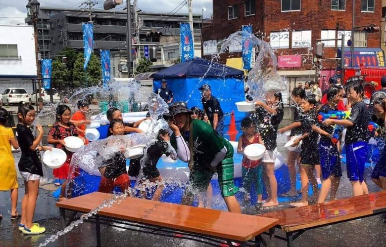 """夏には「水」をかけまくれ!狭山の""""大""""水かけ祭り「夏輝祭」新狭山で7/16開催!"""