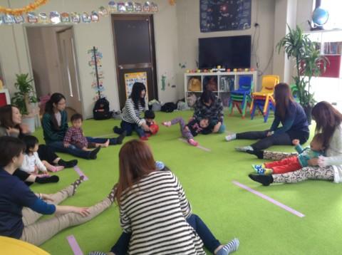 狭山市駅前でベビーイングリッシュ開催!0歳から3歳児まで親子で参加!